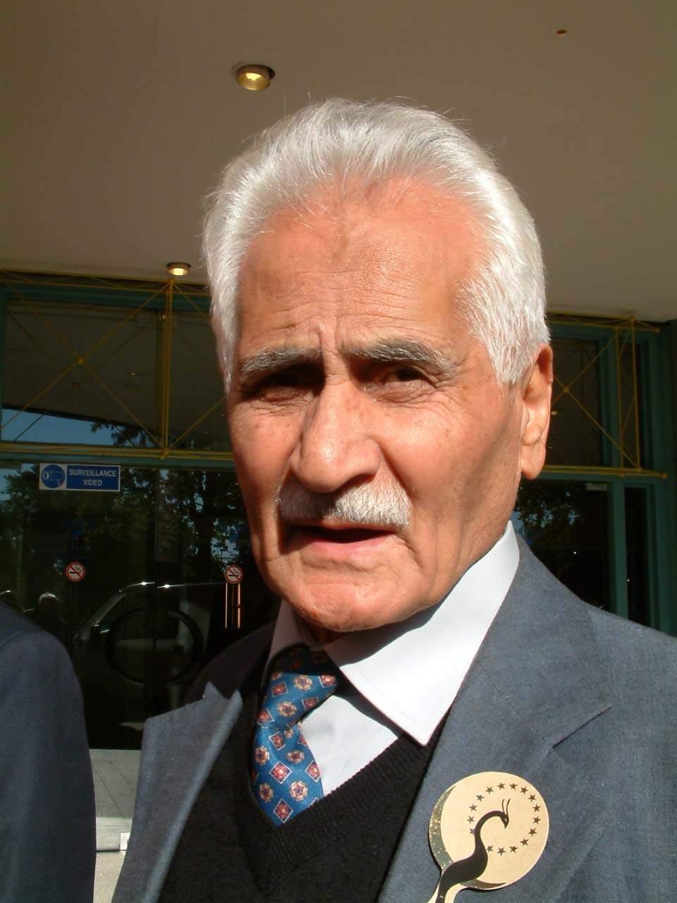 Türk edebiyatının usta ismi Bahattin Karakoç hayatını kaybetti